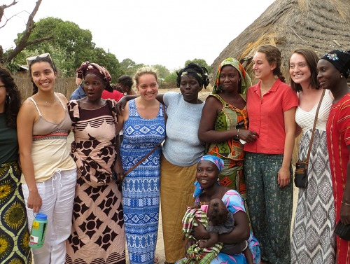 Students with women's co-op in Toubacouta